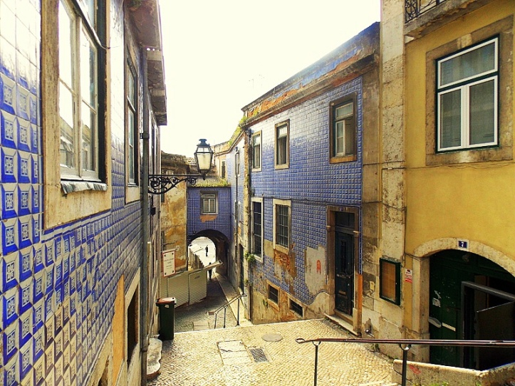 streets-of-lisbon